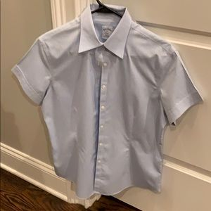 Never worn Brooks Brothers short sleeve buttondown